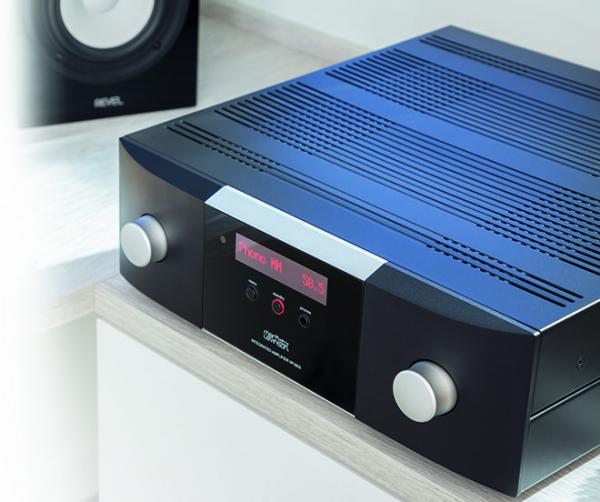 Harman gets luxurious with Mark Levinson N° 5805 and N° 5802